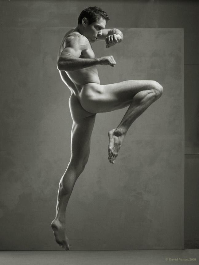 Male nude kick boxing — img 2