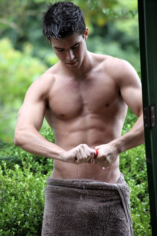 Bernardo Velasco - Towel Hunk