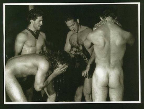 golden shower gays