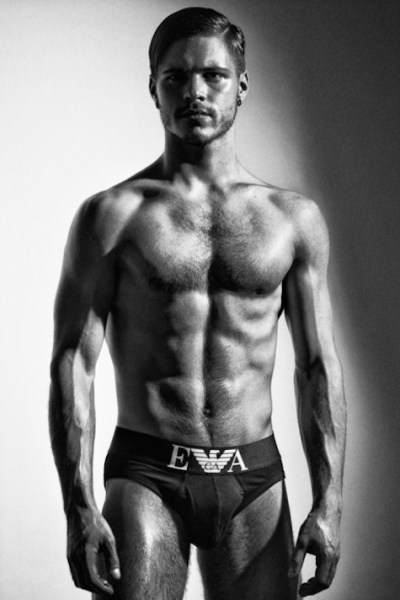 He Keeps Getting Hotter - Matthieu Charneau (4)