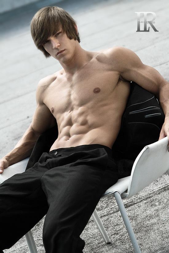 Model Abel Albonetti (4)