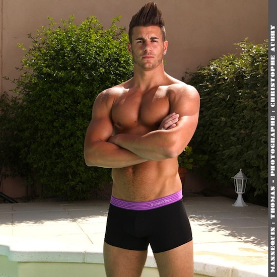 Thomas - Buff Hunk In Underwear (3)