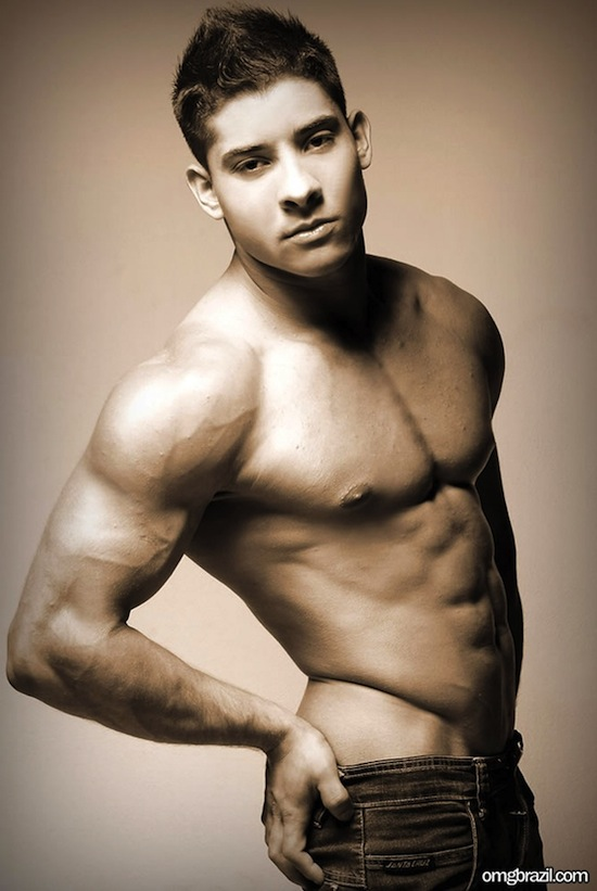 Smooth Latin Hunk Sandro (5)