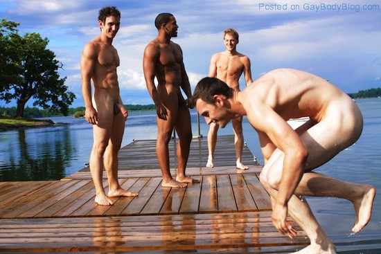 Hot Guys Skinny Dipping (3)