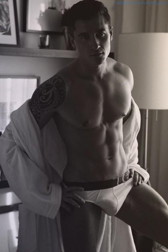 Jay Roberts Nude - Thomas Synnamon (2)