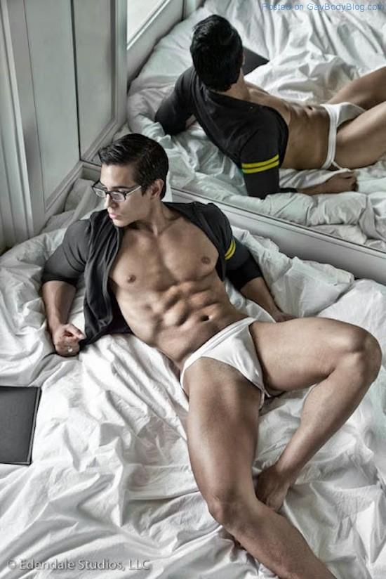 Ripped Muscle Hunk Alan Valdez (5)