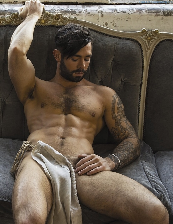 Male hottie naked