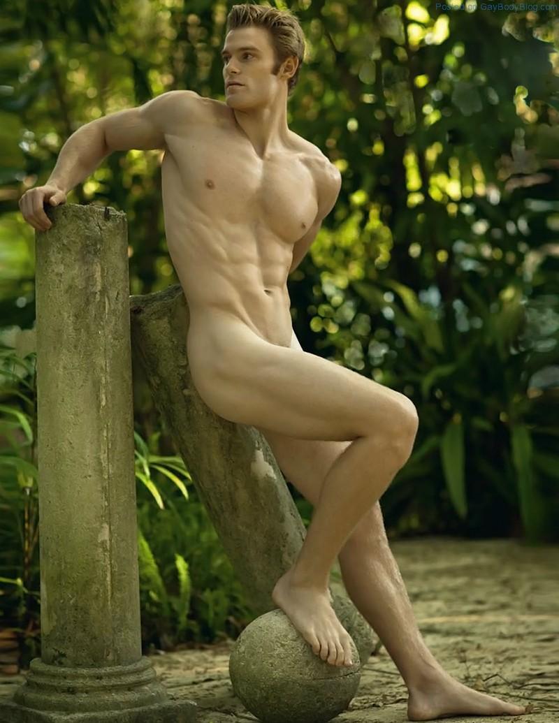 Posing naked men