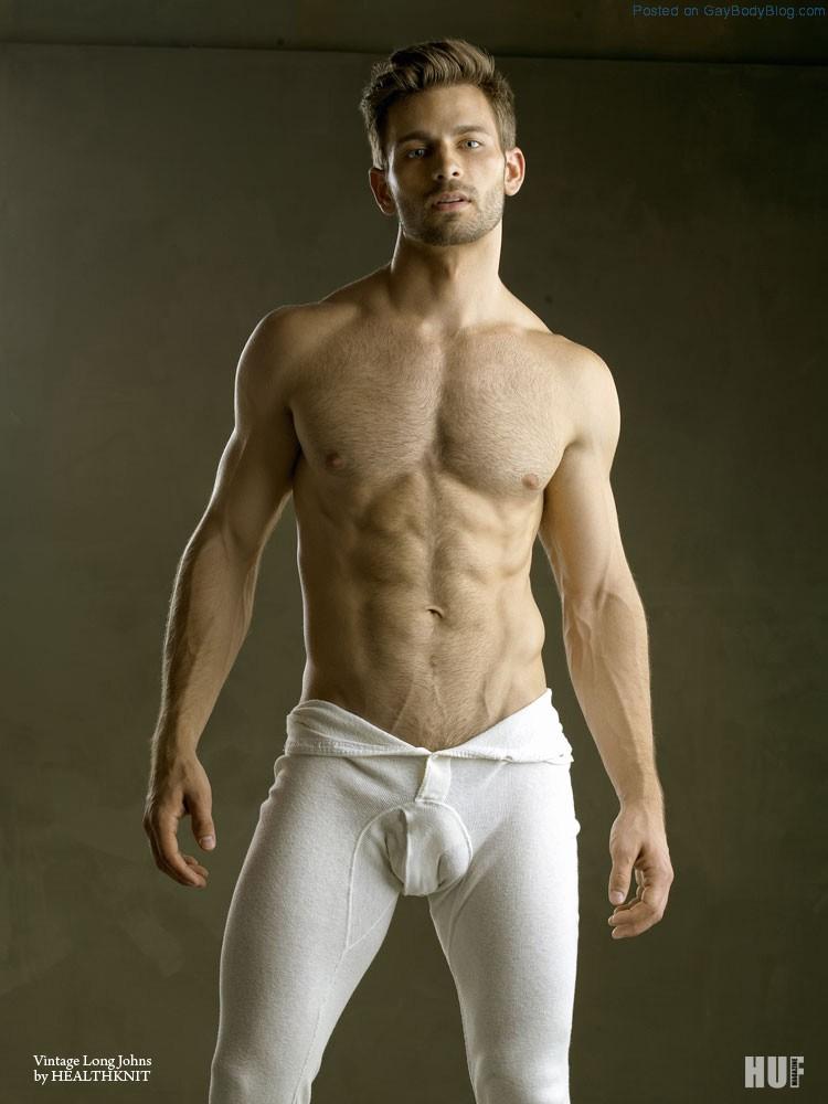 derek yates gets his kit off gay body blog   featuring photos of