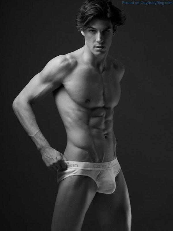 jock-model-bart-grzybowski-looks-hotter-with-short-hair-4