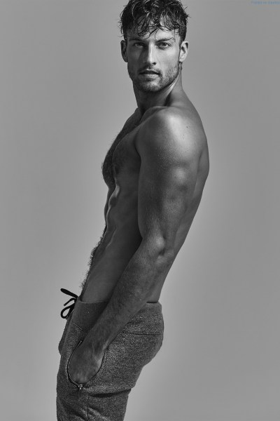 aussie-hunk-rohan-maclaren-looking-sexy-and-rugged-1