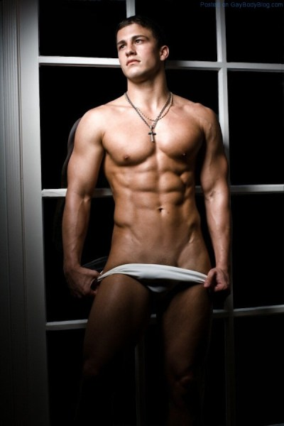 seriously-ripped-young-jock-anthony-michael-cadrecha-1