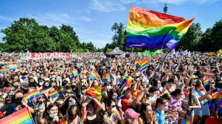 In decine di migliaia al Pride di Berlino