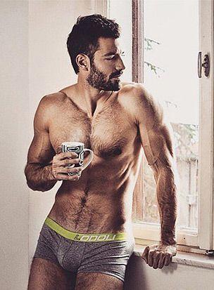 hombre_cafe2