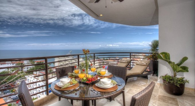 Pinnacle Hotel Puerto Vallarta