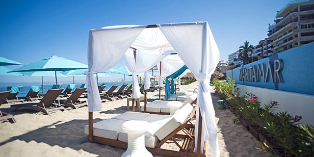 Mantamar Beach Club