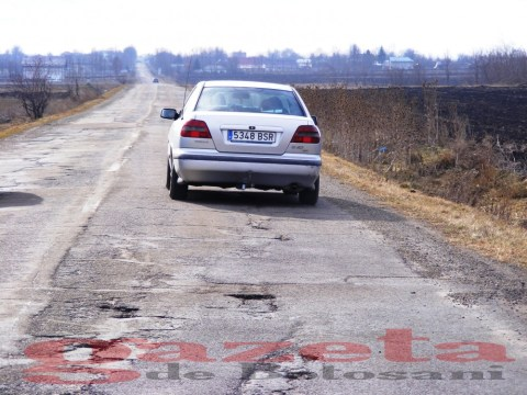 protest- drum- judetean-gropi-nicseni-roma-casa-fisuri-tinaj-rural-sate-drumuri-masini (116)
