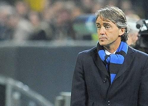 Roberto Mancini guarda senza parole. Reuters