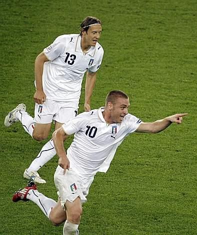 E' 2-0 Italia! (Ap)