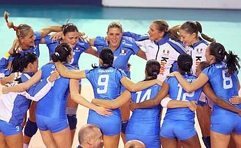 L'Italia festeggia il successo per 3-0 sulla Russia. Ap