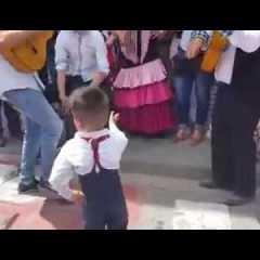 Bambino balla flamenco