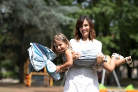 ricercatrice con bambina - Cerco Un Uovo Amico