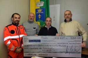 Da destra Piero Riccomini Stefano Petrucci Marco Bindocci e il volontario Davide Finizio