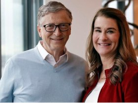 Bill Gates took yearly beach vacations with his ex while married to Melinda