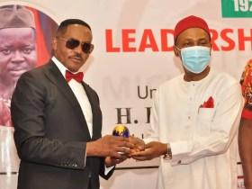 Dr Godwin Maduka, Receives Michael Okpara Leadership Prize