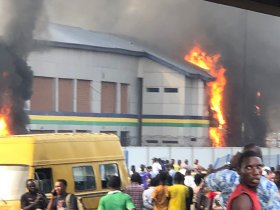Two feared dead as Thugs set Orile Iganmu Police Station of Fire