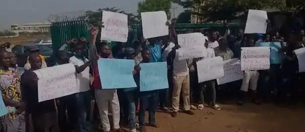 Gbajabiamila: Newspaper Vendors protest colleague's killing