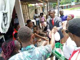 LGD & Gospel Buz Foundation presents relief materials to Ughelli people in Delta State.
