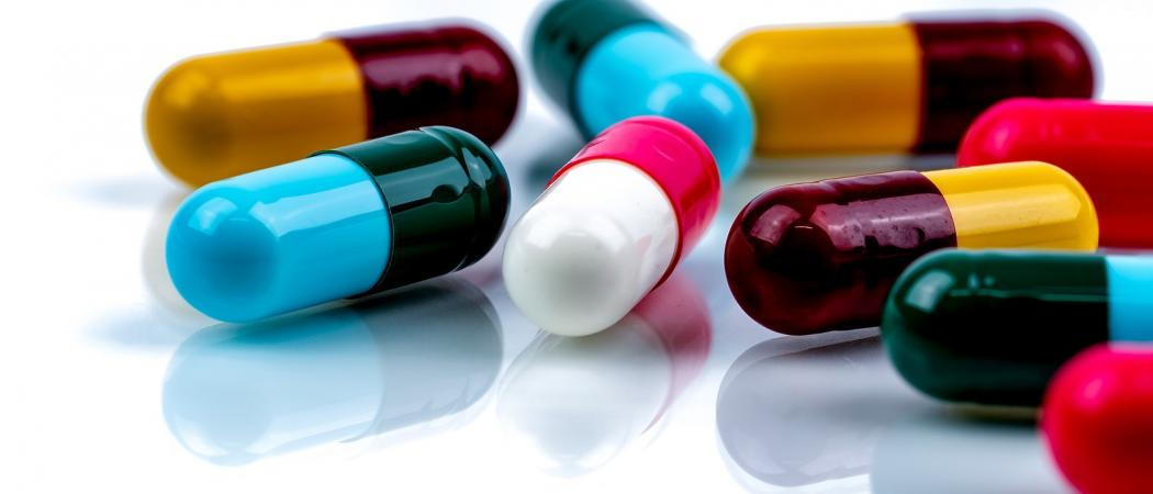 Inappropriate antibiotic prescribing for upper respiratory tract infections contributes to antibiotic resistance