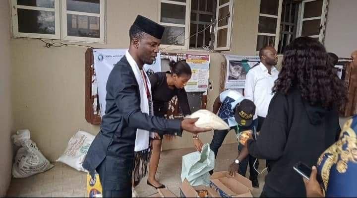 Touching a Life Campaign: UNIZIK Students elated as YAPJEN, Amb Timothy Nwachukwu distributes Palliatives