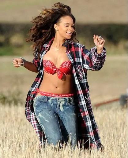 Farmer Who Asked Rihanna To 'Cover Up' Had No Idea Who She Was