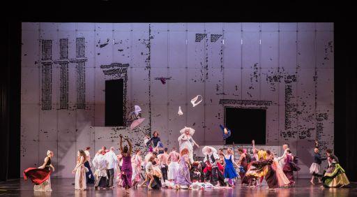 didoaeneas-coreografia-e-regia-di-sasha-waltz_un-totaleryasuko-kageyama-opera-roma-2015-16_9493