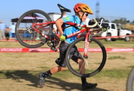 Levi crushing his cyclocross race!