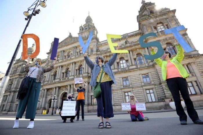FREE-Strathclyde-Divest-Campaign-Glasgow-MED-RES-01-2048x1363-1