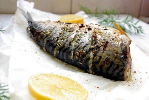 Makrela w koperkowo –czosnkowej marynacie