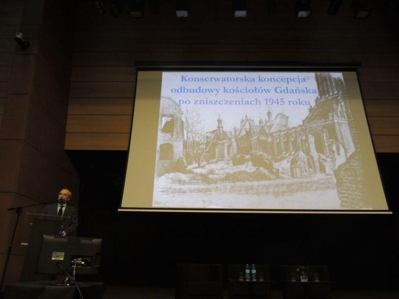 Prof. Marcin Gawlicki w czasie konferencji w Europejskim Centrum Solidarności (fot. P. Olejarczyk).
