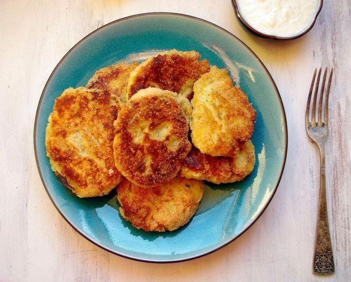 Hiszpańskie placki z dorsza i ziemniaków