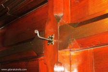 oryginalny wieszak na szafie