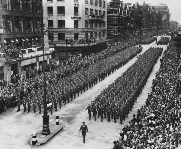 Defilada zwycięstwa w Londynie 8 czerwca 1946; źródło: domena publiczna