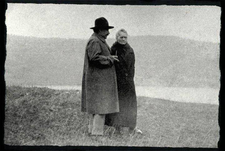 Skłodowska-Curie i Einstein w Szwajcarii, domena publiczna