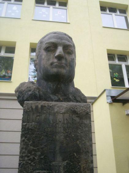 Pomnik Alfa Liczmańskiego, z archiwum autorki
