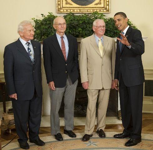 Spotkanie załogi Apollo 11 z prezydentem Barackiem Obamą w 2009 roku