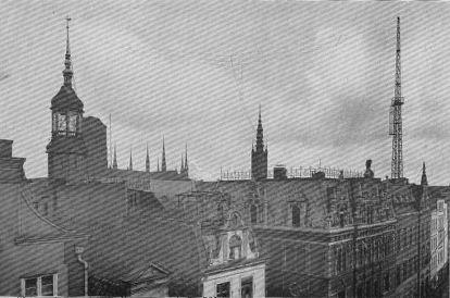 Antena nadawcza na dachu gdańskiej poczty przy ul. Długiej (źródło: forum.dawnygdansk.pl)