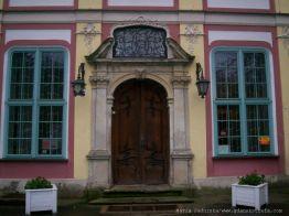 Pałac Opatów-wejscie do muzeum