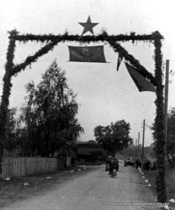 Brama powitalna dla Armii Czerwonej wkraczającej do Brześcia