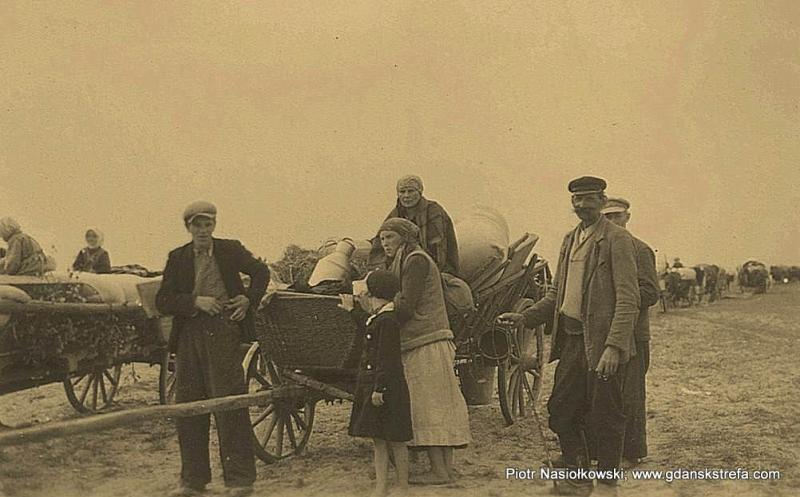 Cywilni uciekinierzy na szosie (wrzesień 1939 roku)